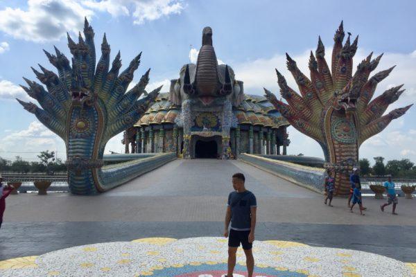 An Enormous Elephant Temple in Thailand (WAT BAN RAI)